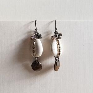 Vintage howlite dangle earrings